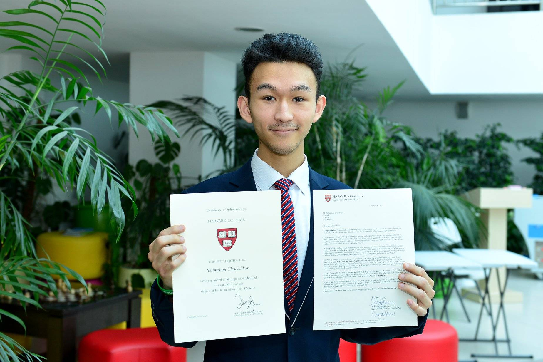 «на стипендию иностранцы могут жить и путешествовать». как получить грант на учебу в китае