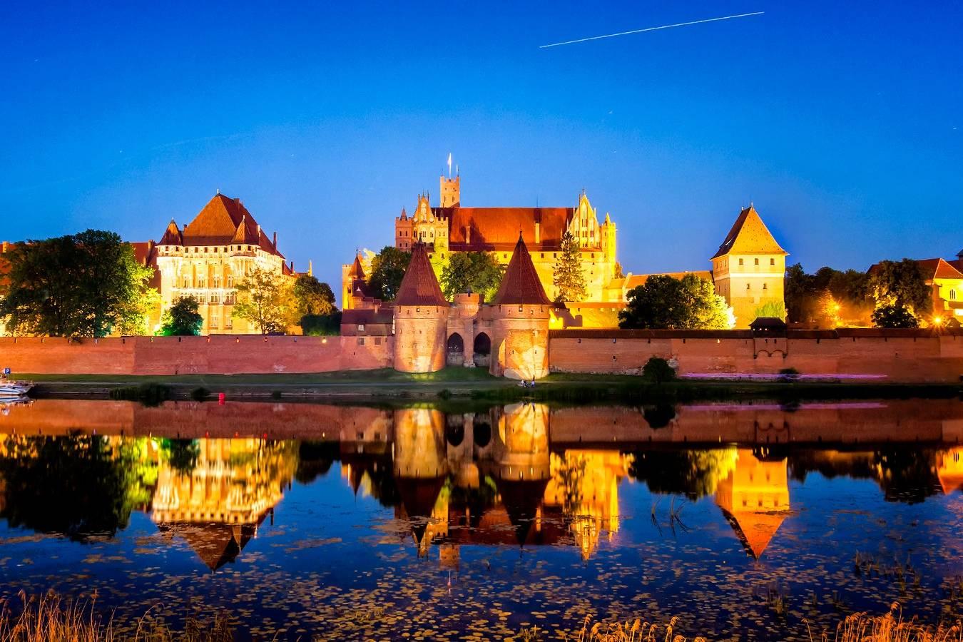 Неоготическая жемчужина германии – замок мариенбург в саксонии