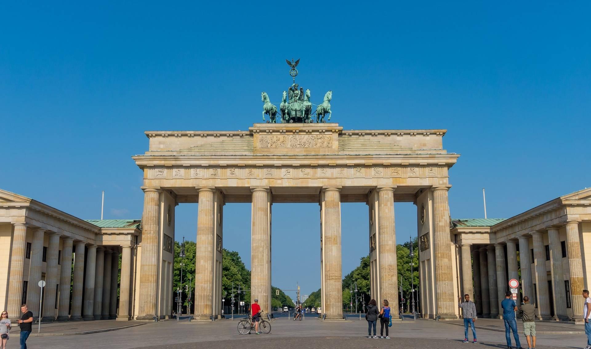 Бранденбургские ворота, или ворота мира в берлине. фото