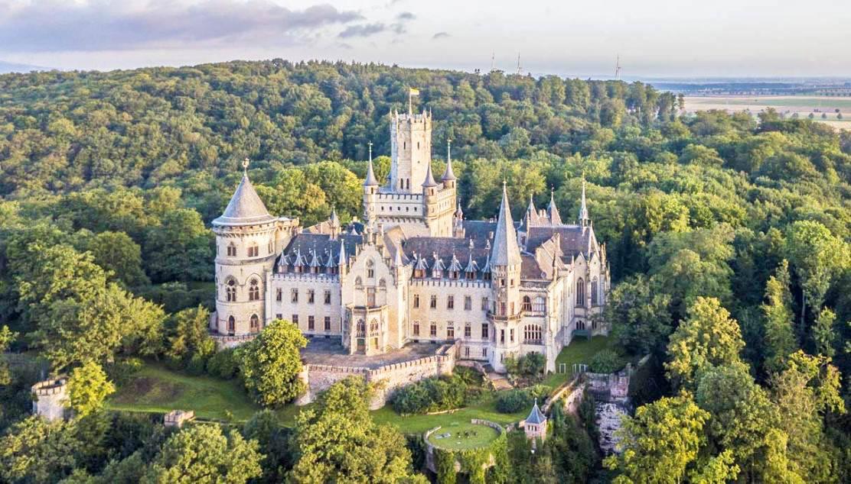 42 самых древних и прекрасных замков в мире
