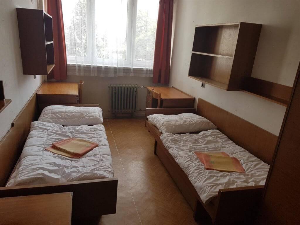 Общажный вопрос. часть 2: отзывы студентов об общежитиях вшэ и чешского аграрного университета