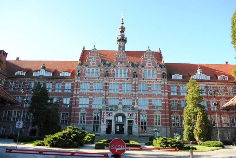 Как поступить во вроцлавский университет и почему российские студенты едут туда учиться