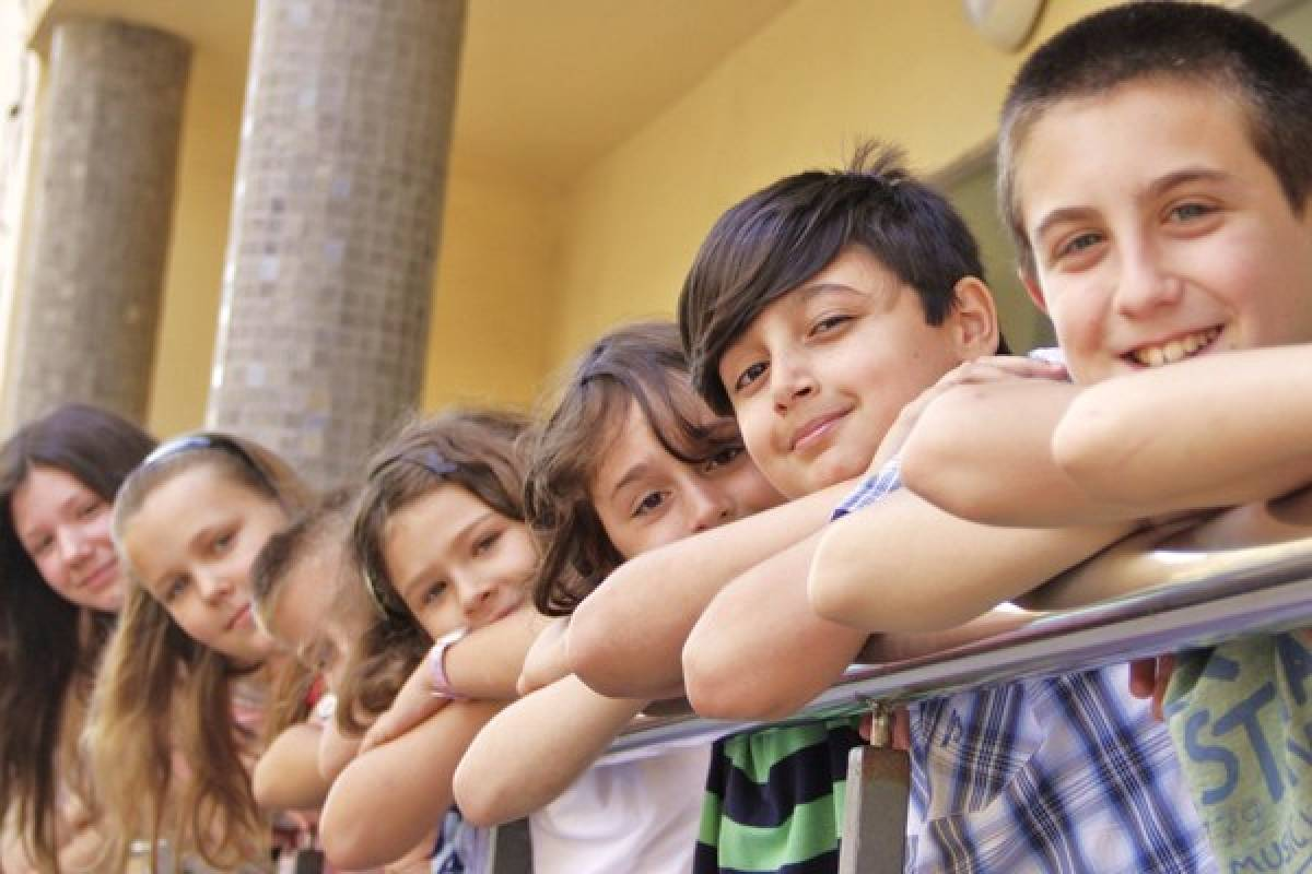 Международные лагеря для детей в испании c бассейном