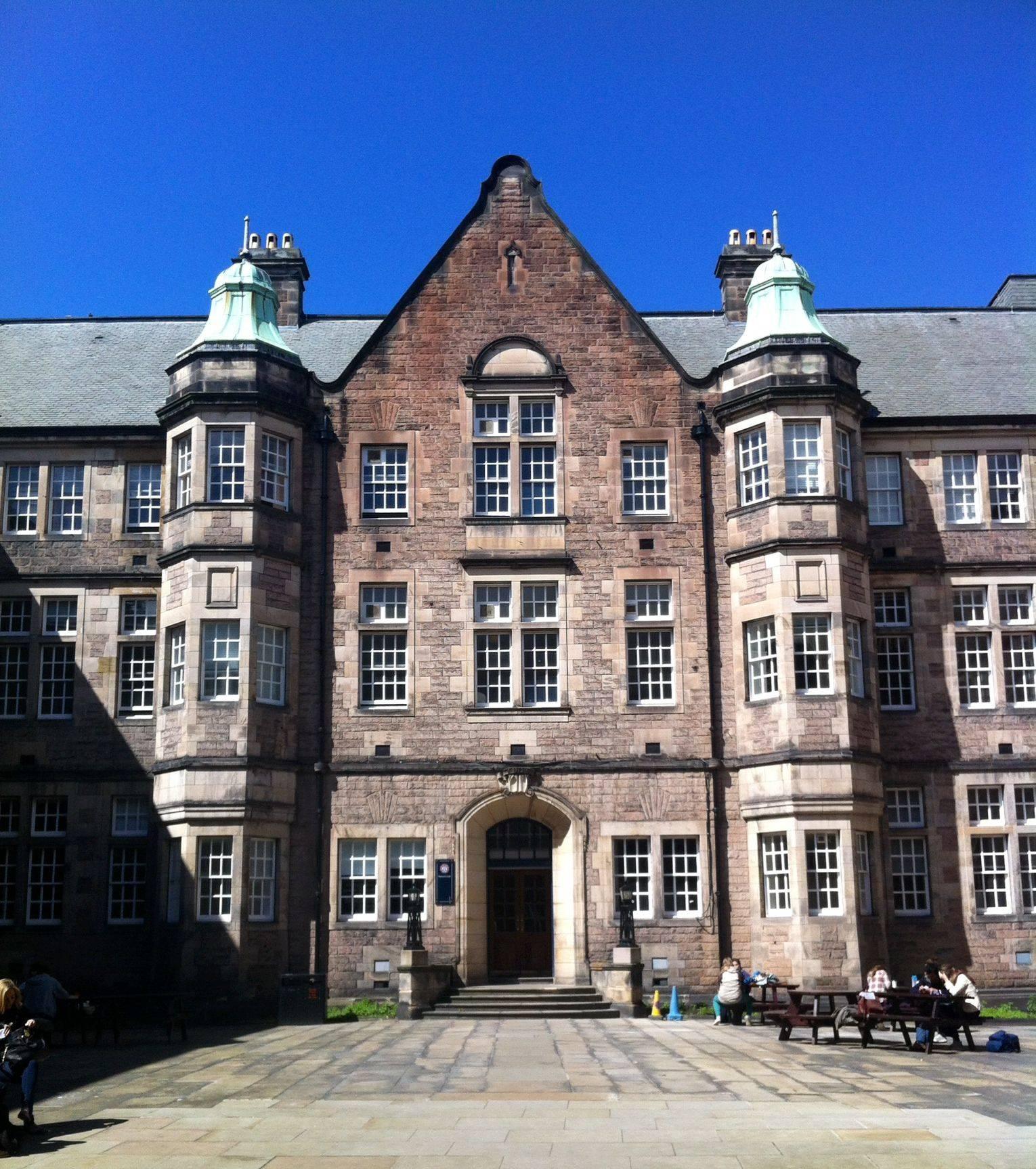 Манчестерский университет: программы, поступление, студенческая жизнь