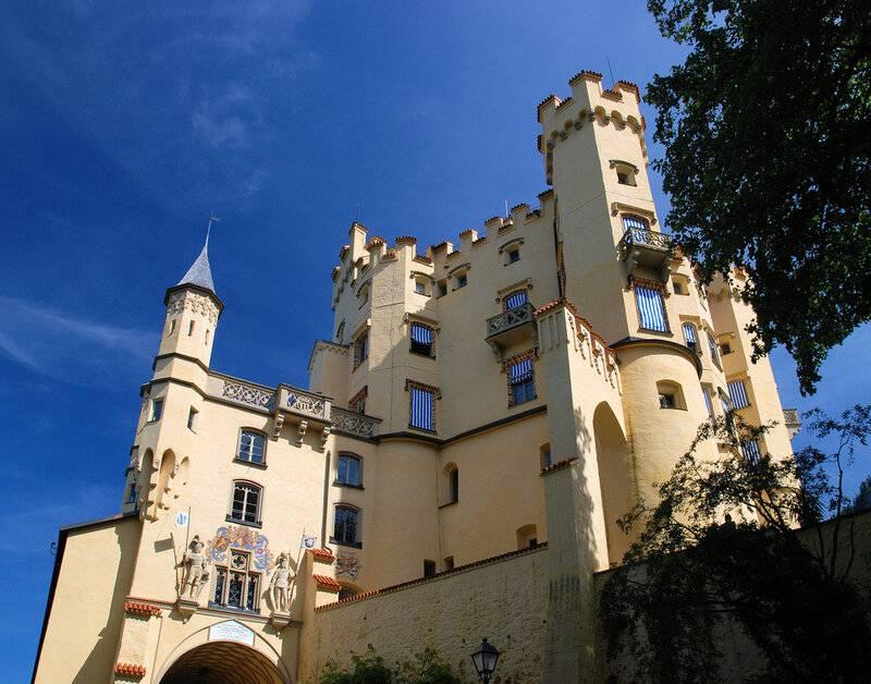 Лебединый замок нойшванштайн в баварии - чудеса света
