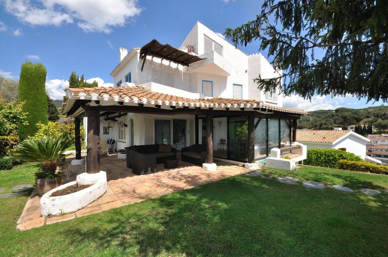 Процедура покупки и оформления недвижимости в испании