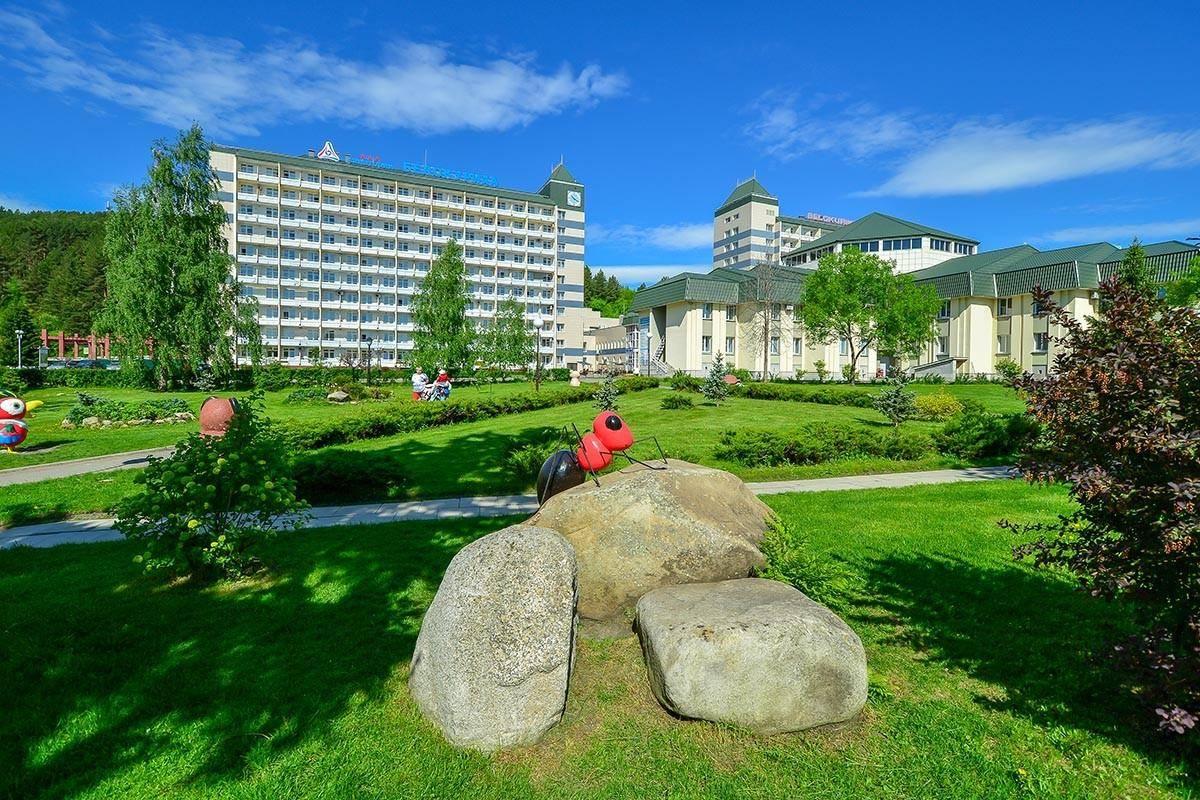 Недорогой отдых в санатории: куда поехать, что выбрать, адреса, качество обслуживания, дополнительные лечебные услуги и отзывы
