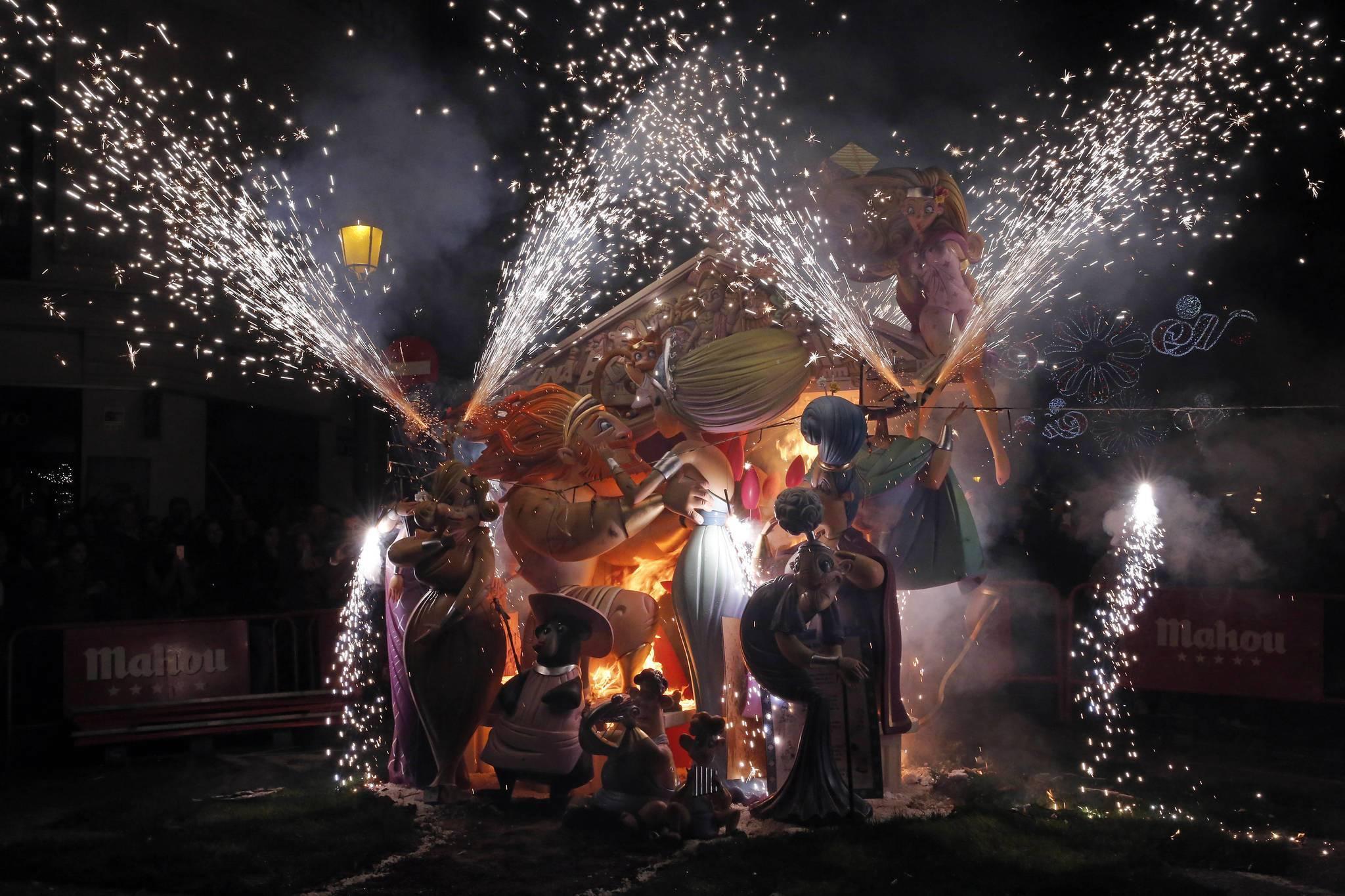 Праздник «мавры и христиане» в испании: дань истории и традициям. испания по-русски - все о жизни в испании