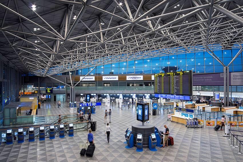 Прибытие, пересадка в аэропорту и вылет