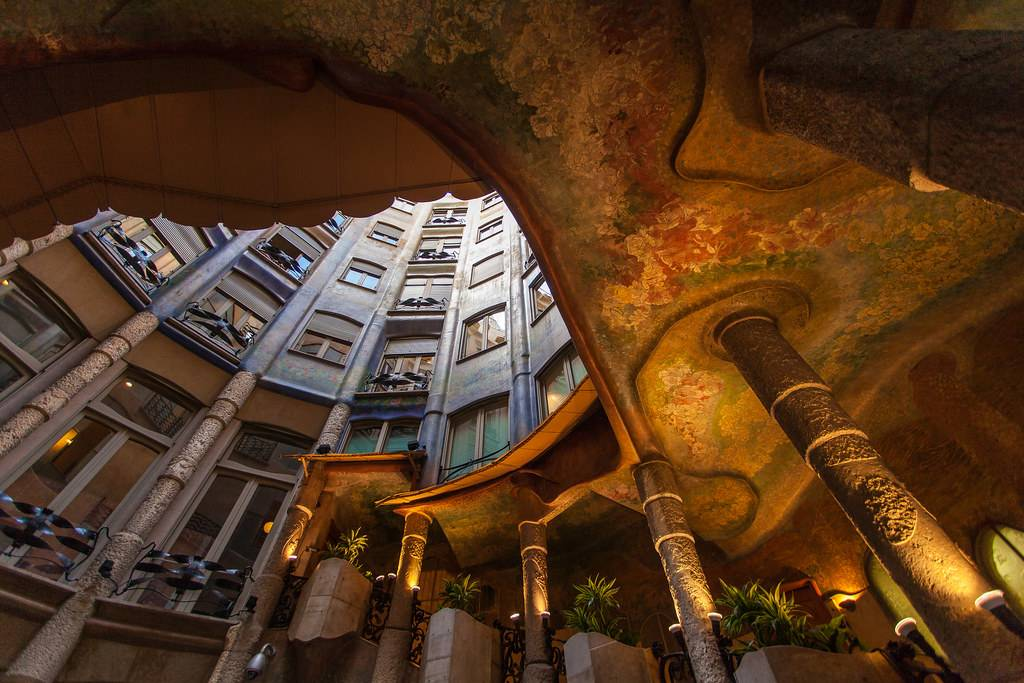 Дом мила антонио гауди в барселоне: фото, описание