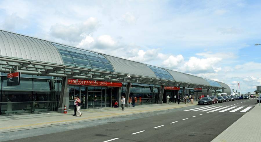 Варшава-модлин (аэропорт) - вики