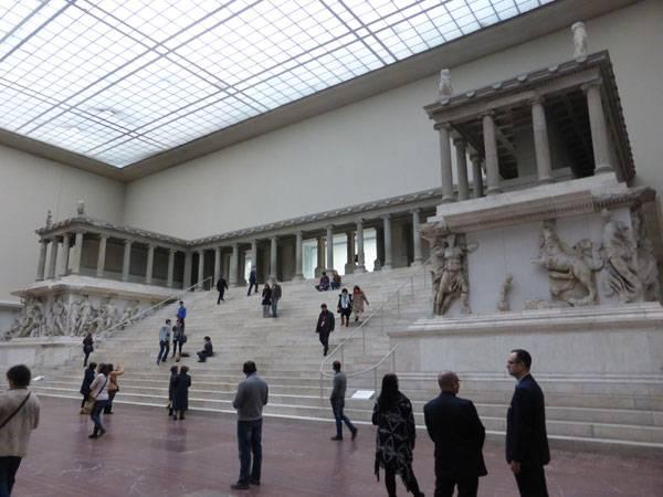 Музей пергамон в берлине – история культуры за 6 000 лет – так удобно!  traveltu.ru