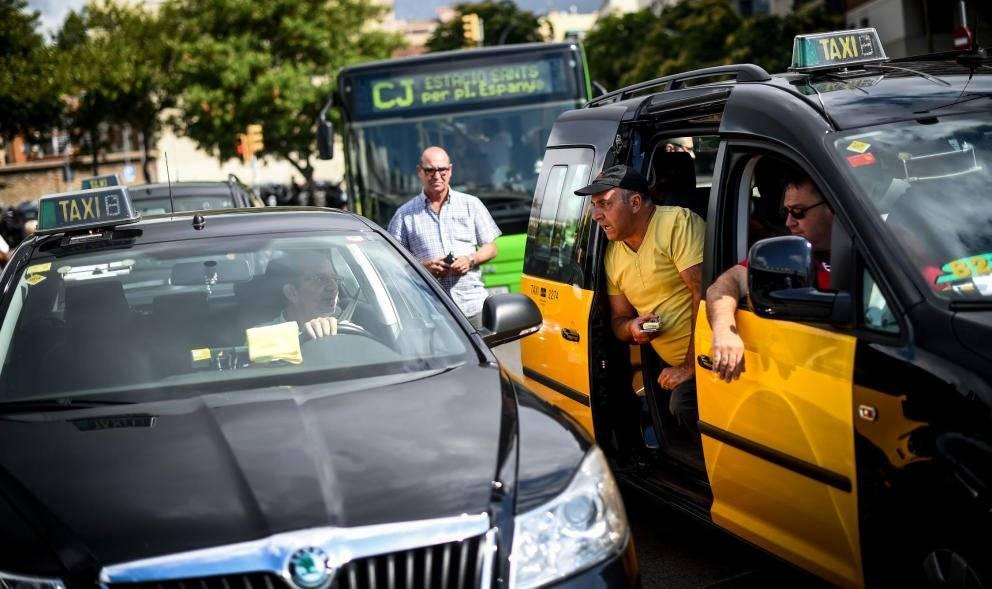 Как поймать и сколько стоит такси в барселоне