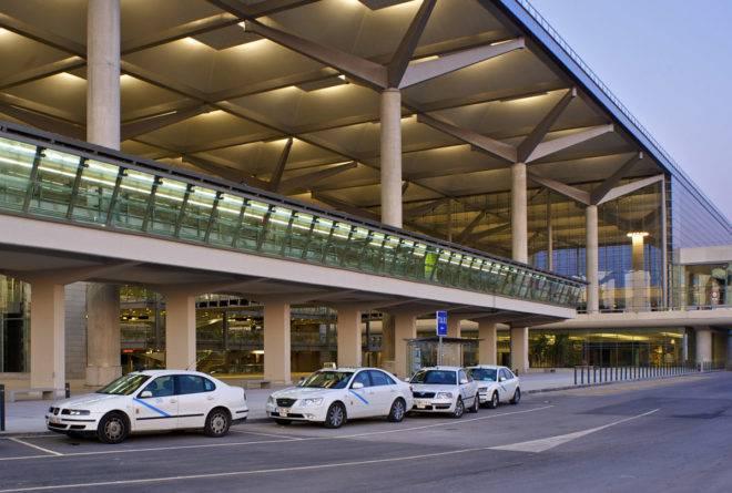 Аэропорт малаги. онлайн-табло прилетов и вылетов, расписание 2021, отели, как добраться на туристер.ру