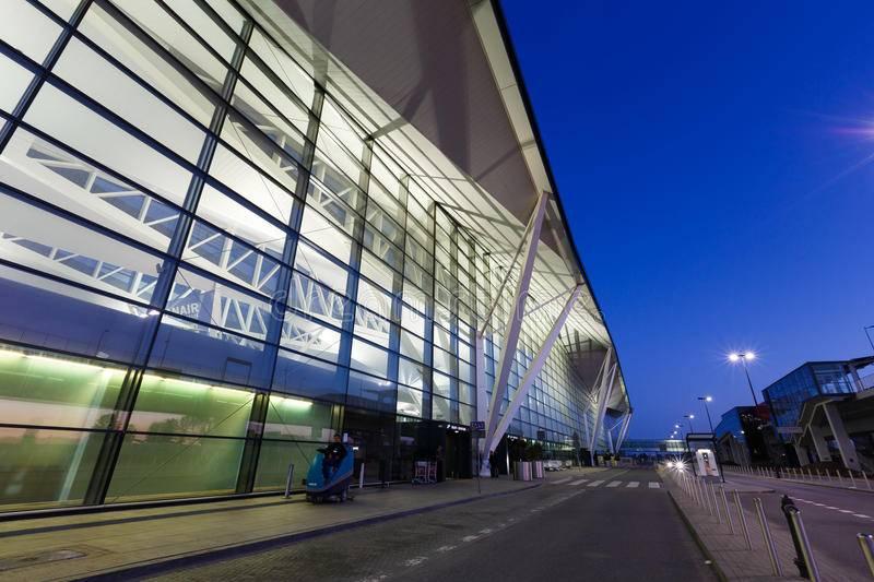 Аэропорт имени леха валенсы (lech walesa), гданьск, заказ авиабилетов