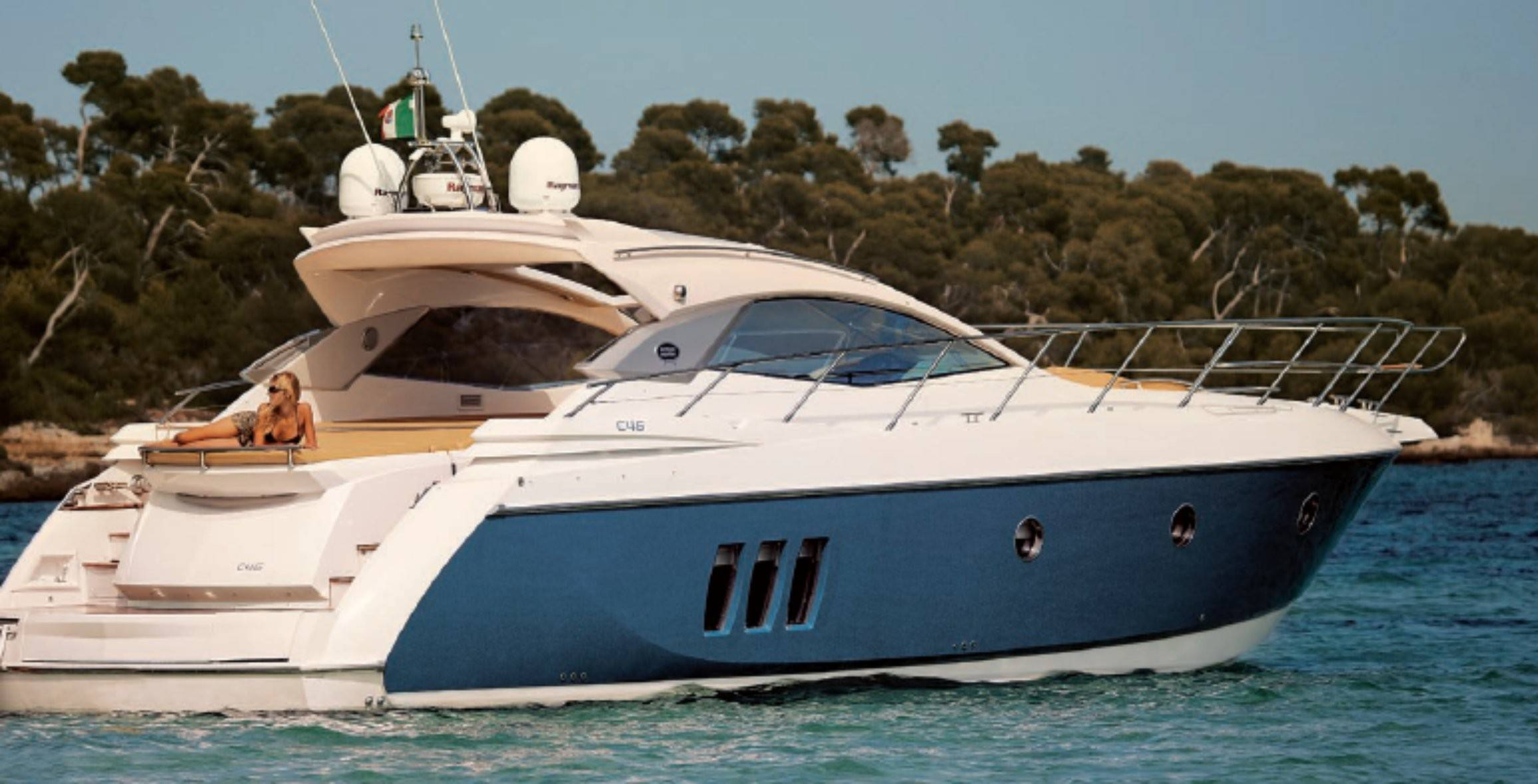 Как просто взять яхту на прокат в солнечной испании