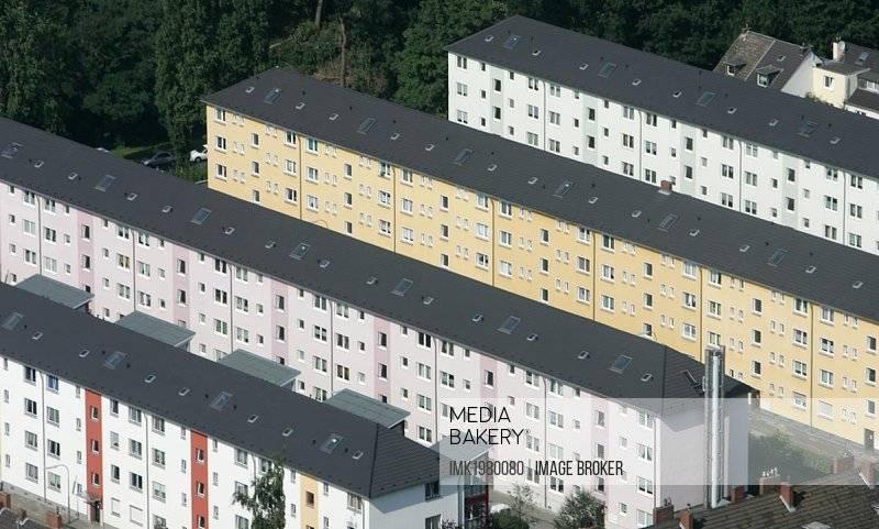 Этнические немцы о переезде в германию: бесплатное жилье, языковые курсы и поиск работы