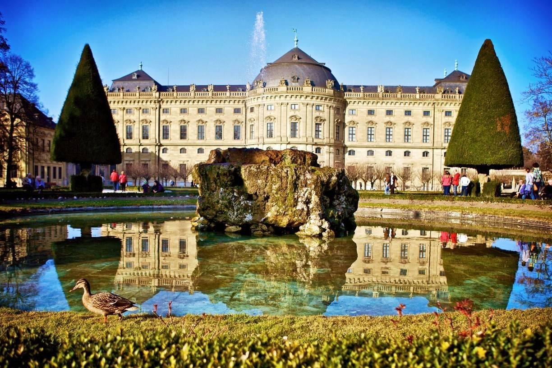 Шедевр эпохи барокко: вюрцбургская резиденция. германия, вюрцбург «вюрцбургская резиденция епископская резиденция в вюрцбурге