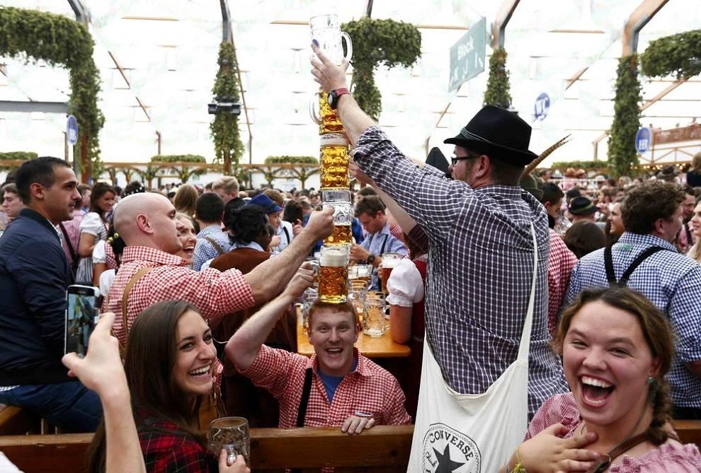 Фестиваль пива в мюнхене — oktoberfest