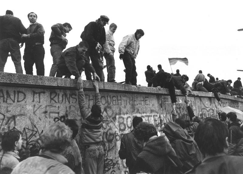 Берлинская стена: два города, два мира, две европы