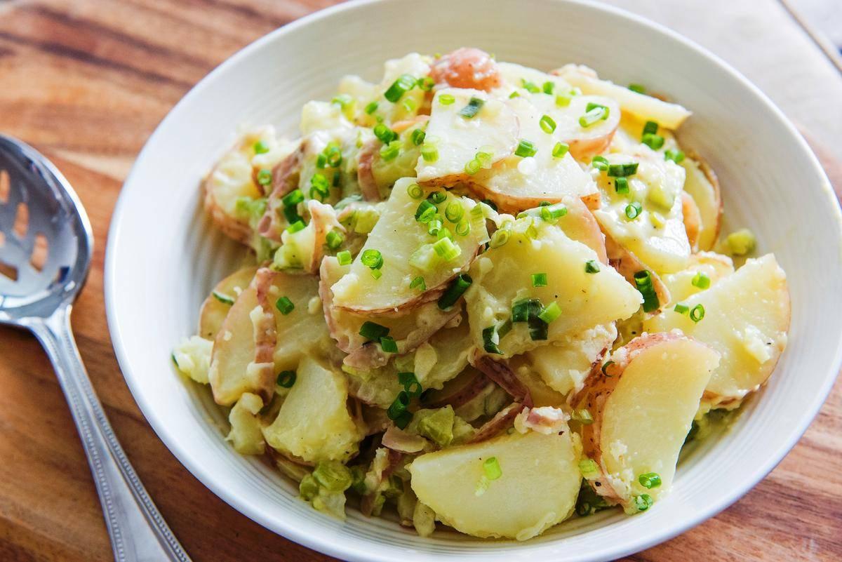 Картофельный салат по американски – очень доступное и сытное блюдо: рецепты с фото и видео