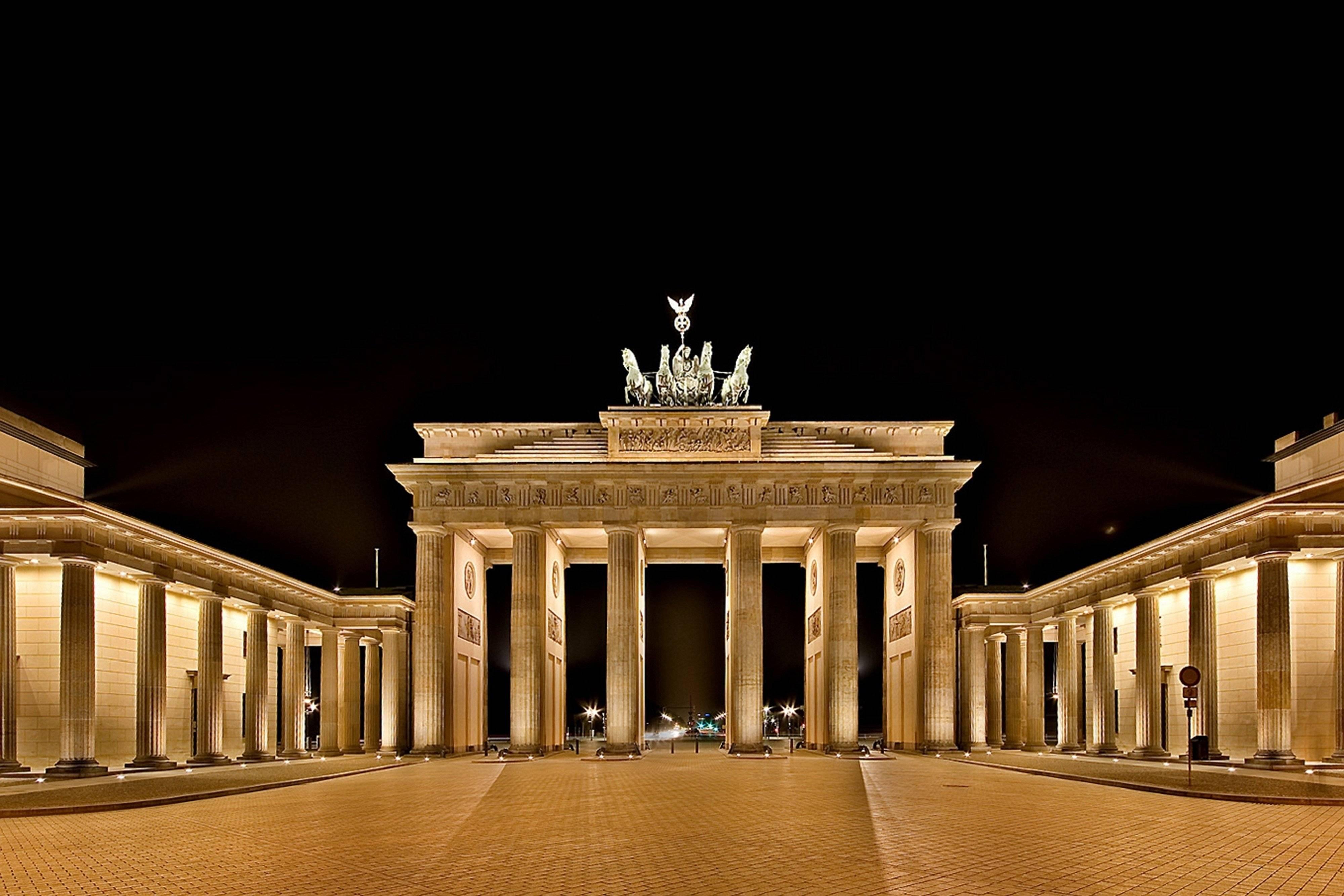 Почему бранденбургские ворота в берлине так популярны