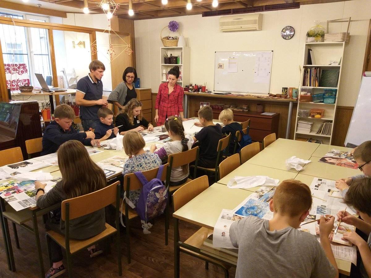 Как латвийский апартеид истребляет русских неграждан   новости