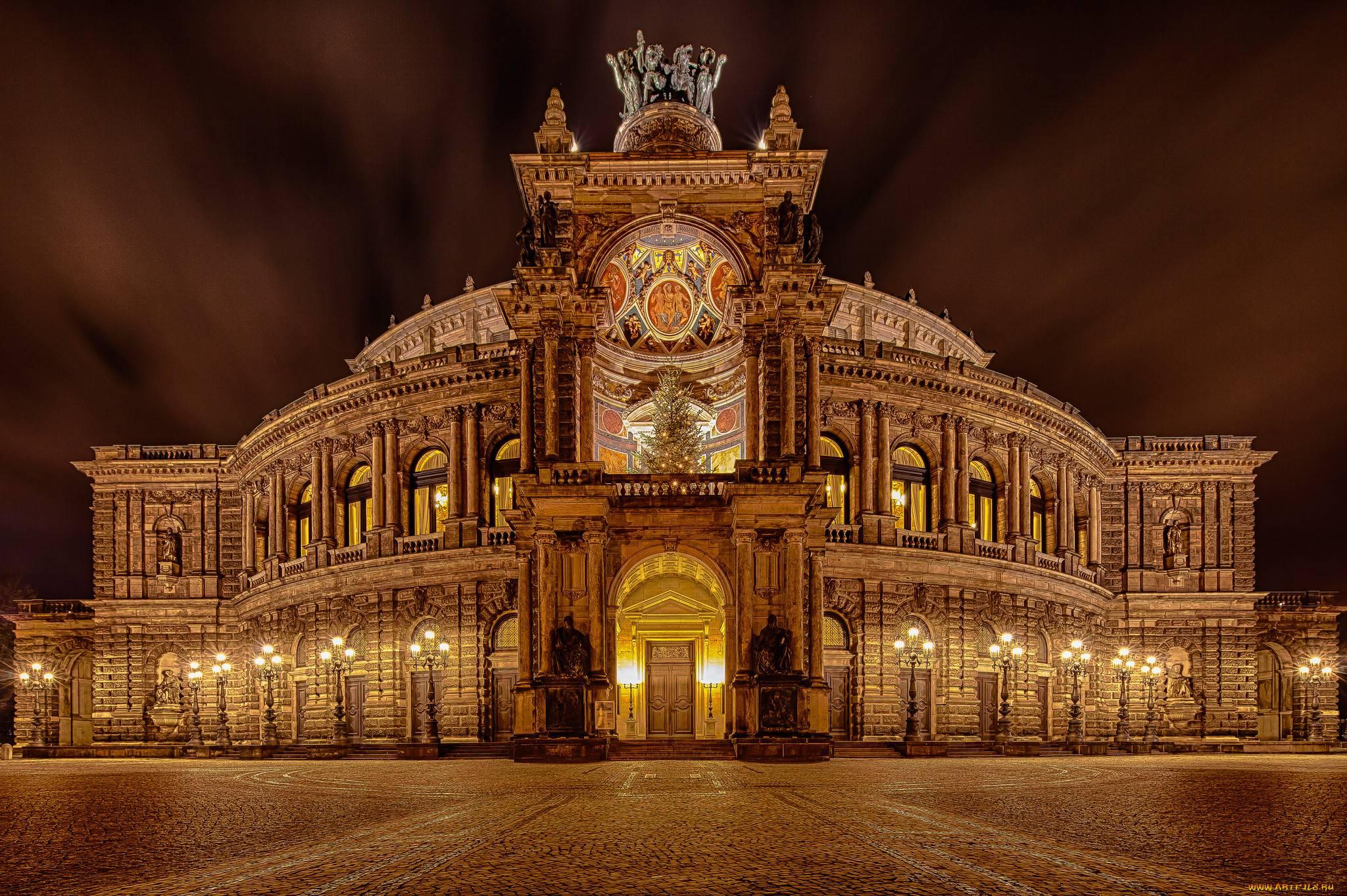 10 лучших оперных театров мира