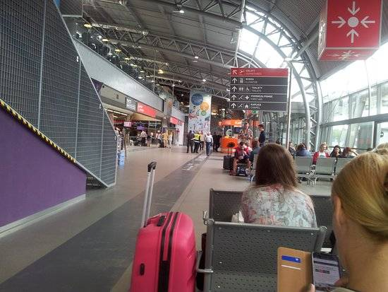 Аэропорт варшавы - warsaw modlin airport