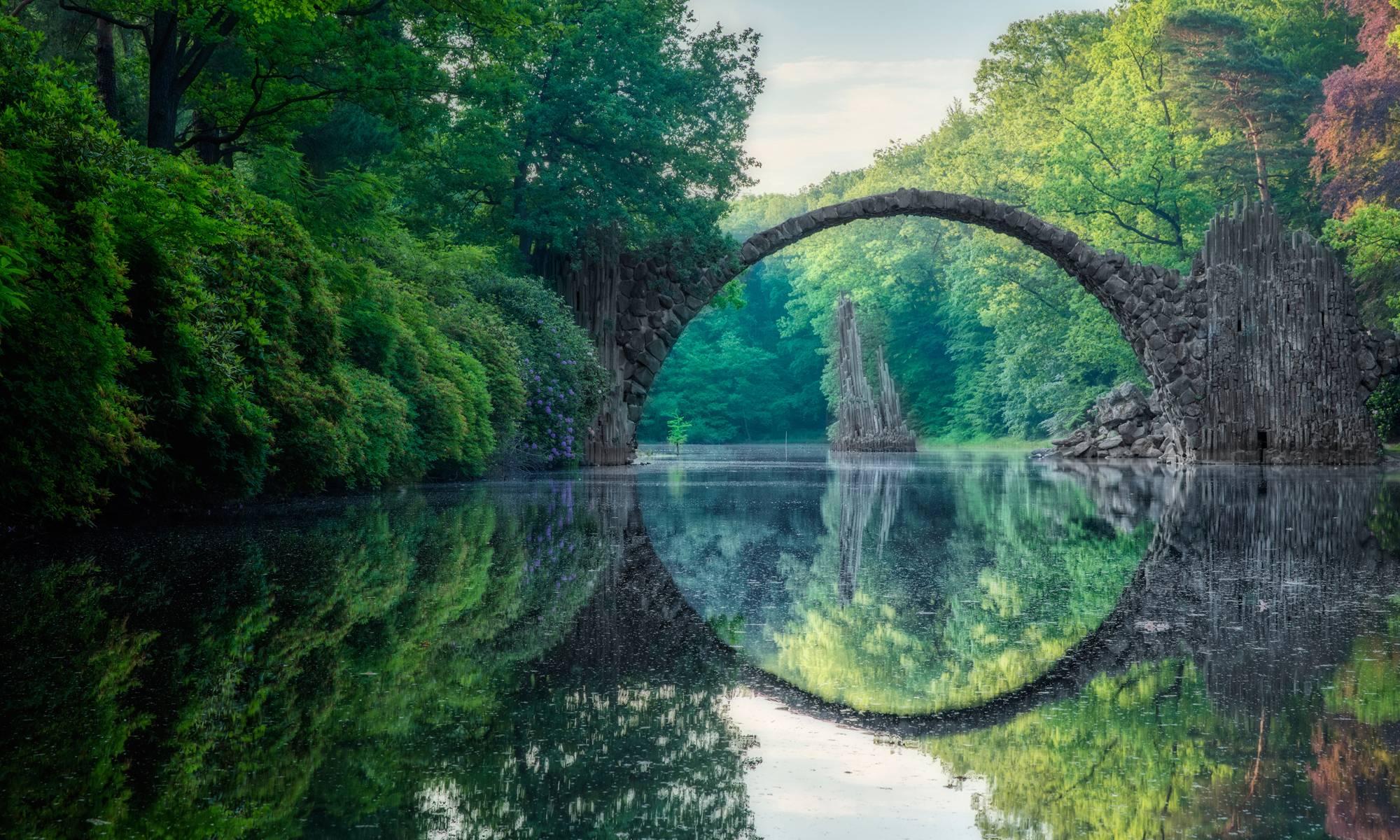 Мистический и манящий мост Ракотцбрюке в Германии
