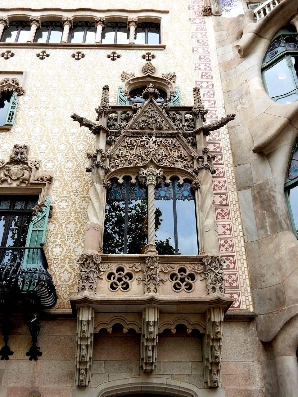 Дом бальо — шедевр барселоны от архитектора антонио гауди