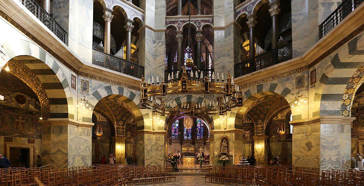 Капелла Карла Великого в Ахене: история и экспонаты