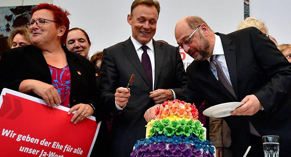В Германии приняли закон о легализации однополых браков