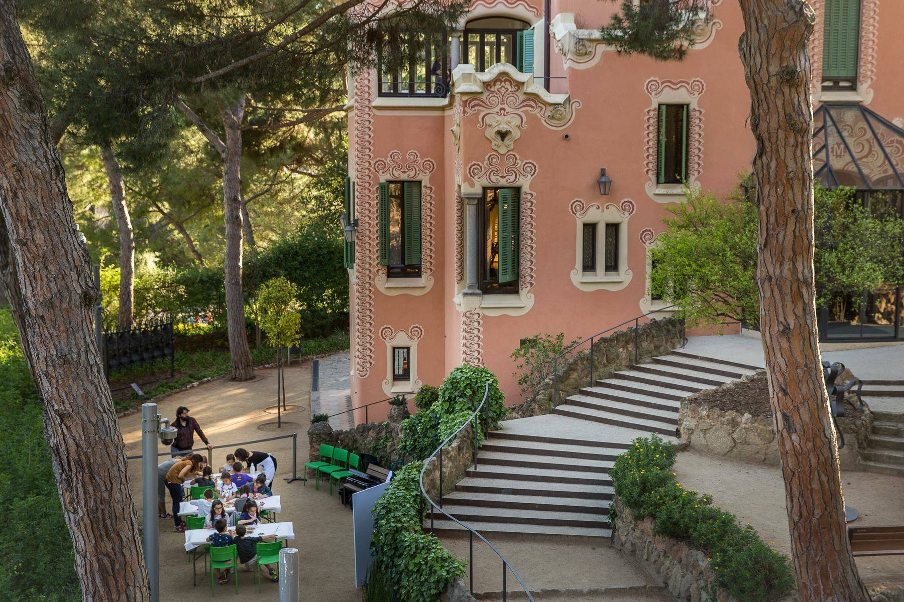 Архитектура гауди в барселоне: саграда фамилия, парк гуэль, дома гауди
