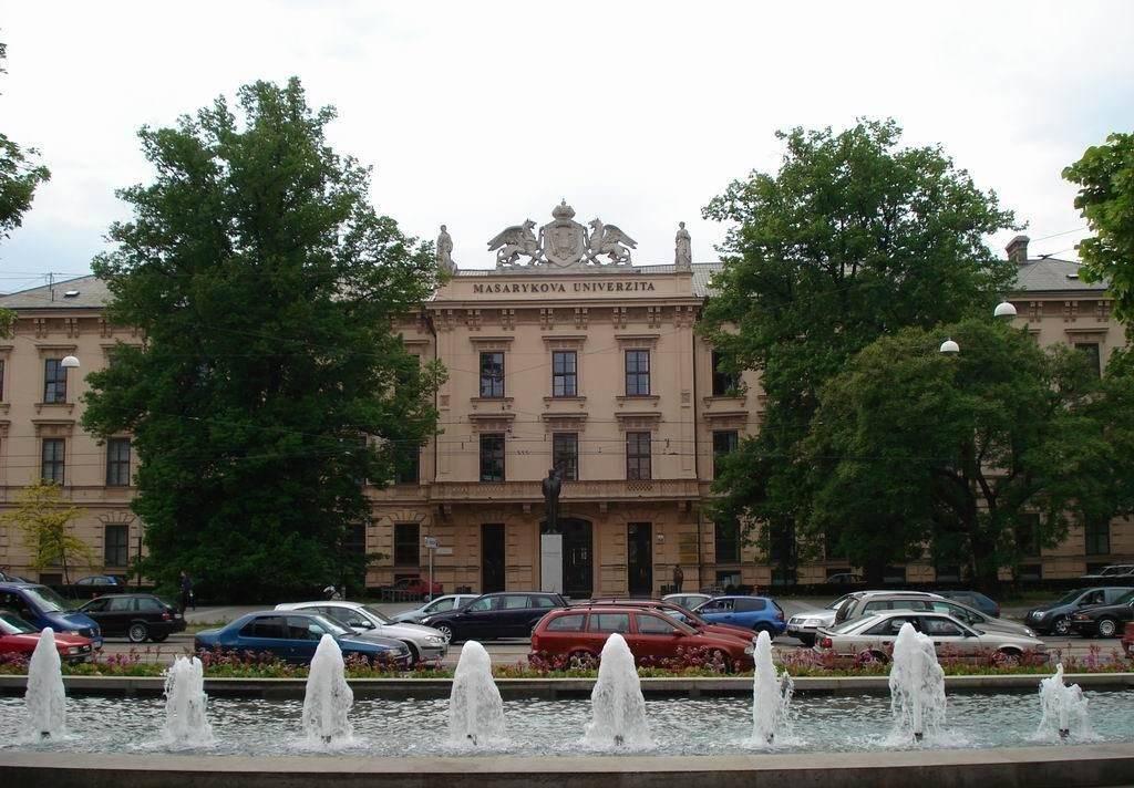 Поступление в масариков университет в брно: образование в чехии
