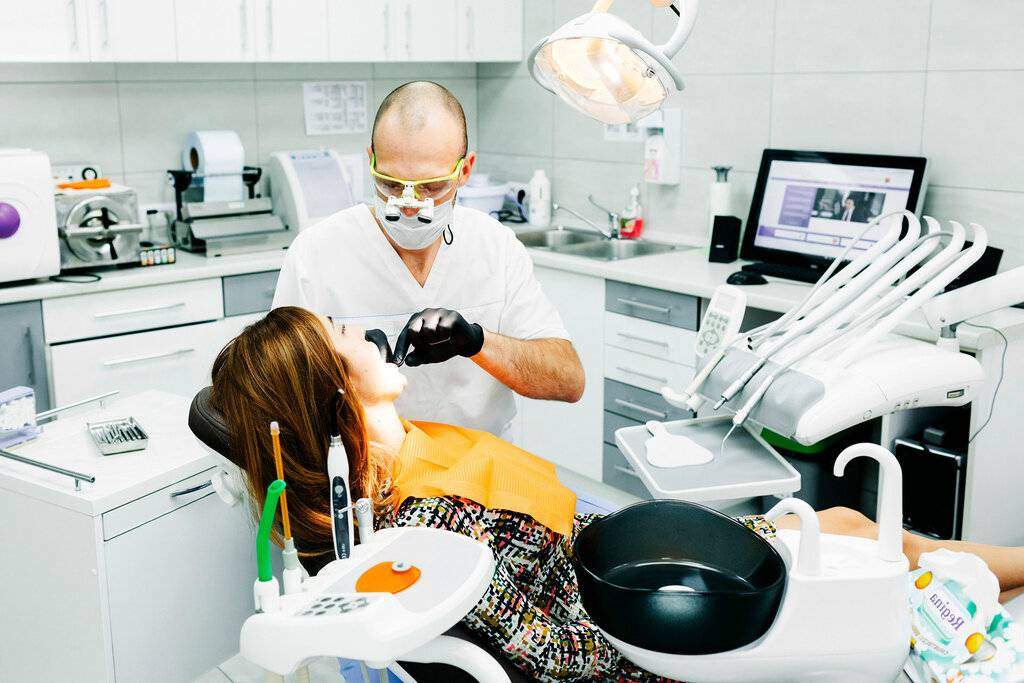 Имплантация зубов в германии: виды имплантов, цены