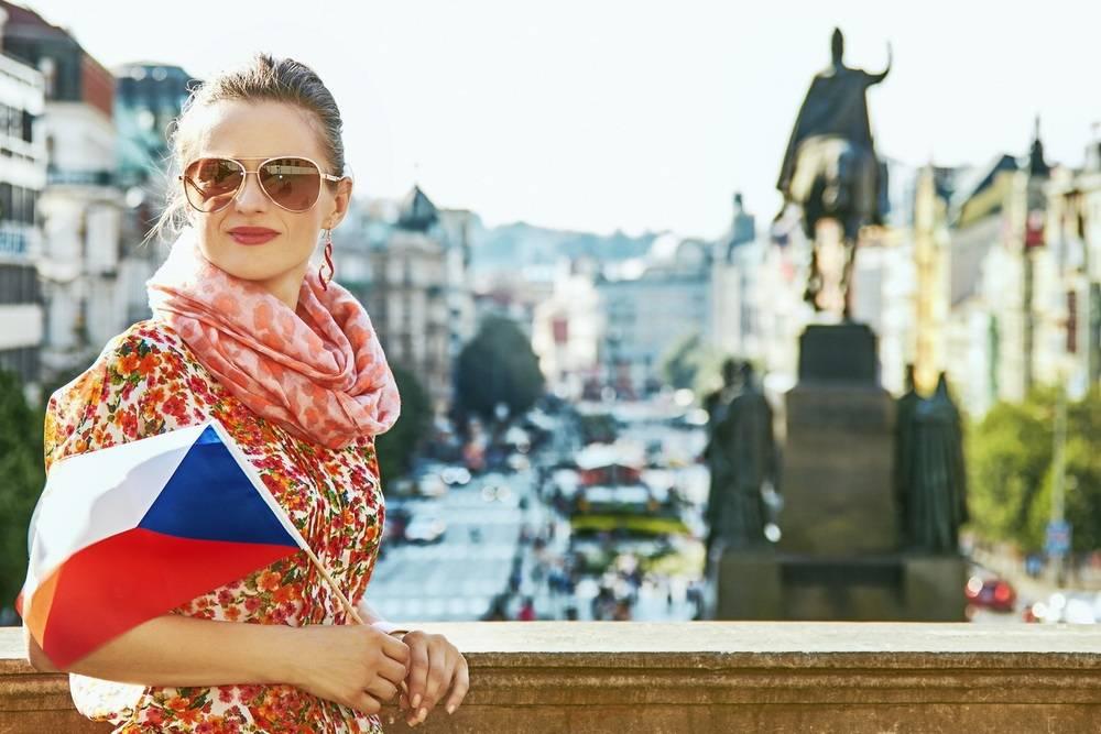 Иммиграция в чехию: как переехать на пмж из россии, плюсы и минусы жизни русских мигрантов