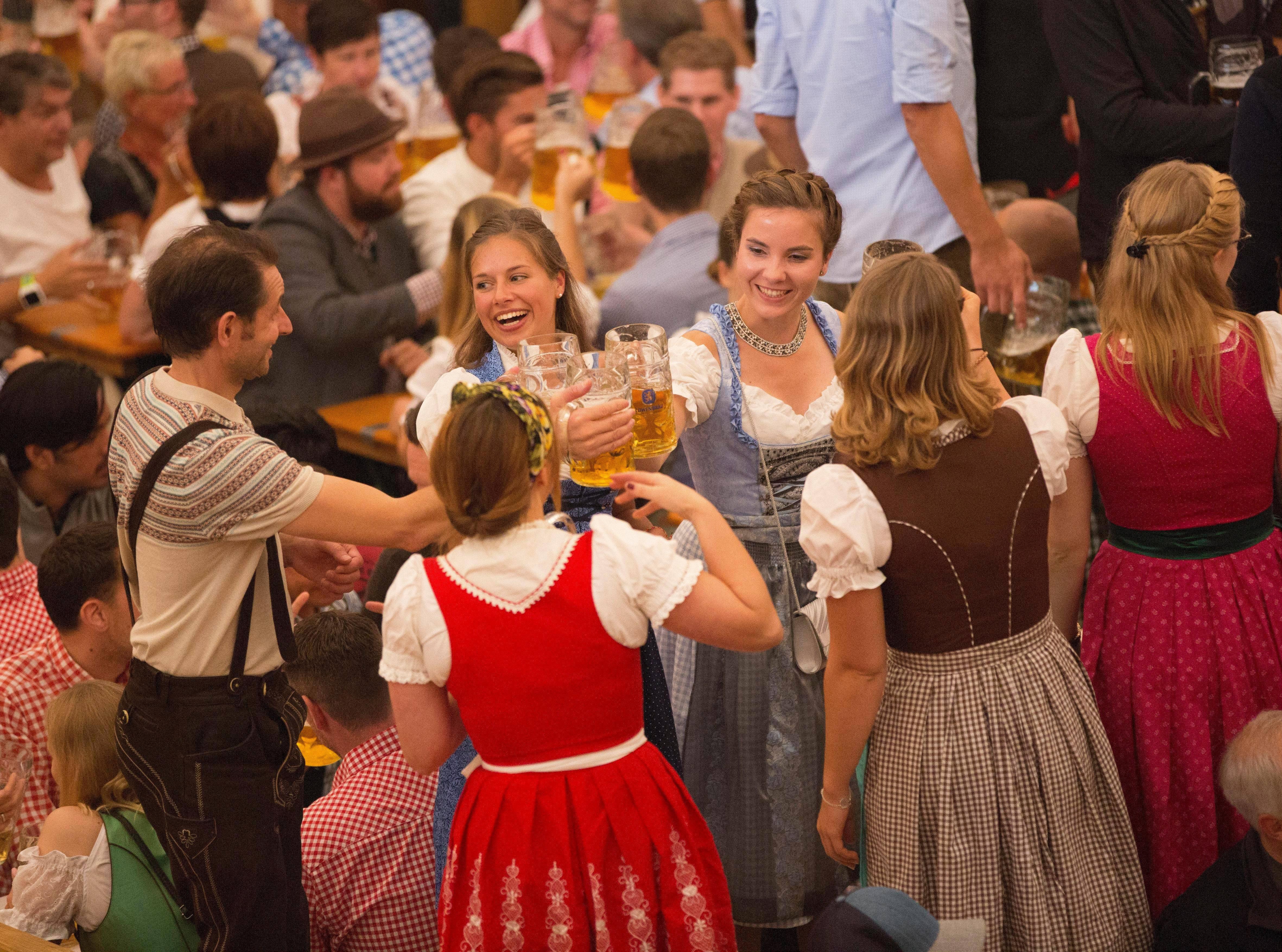 Октоберфест в германии - старинный праздник пива в мюнхене