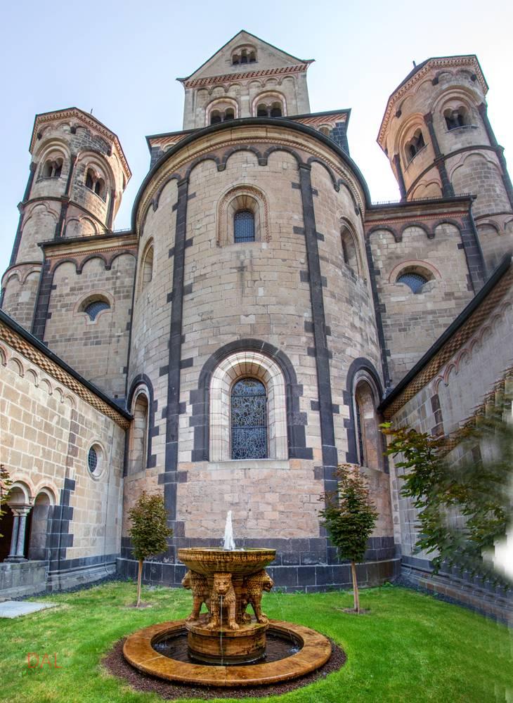 Лаахское аббатство — википедия
