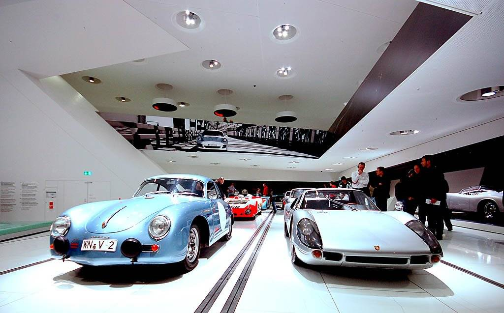 Музей мерседес в штутгарте - будущее сегодня