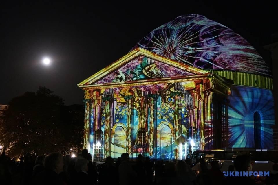 Фантастический фестиваль светового искуства в берлине