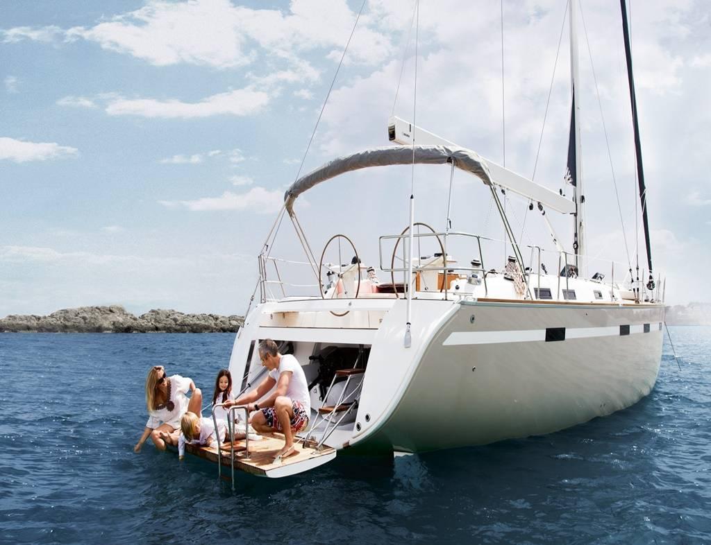Топ- 12 сайтов по продаже б/у яхт в каталонии
