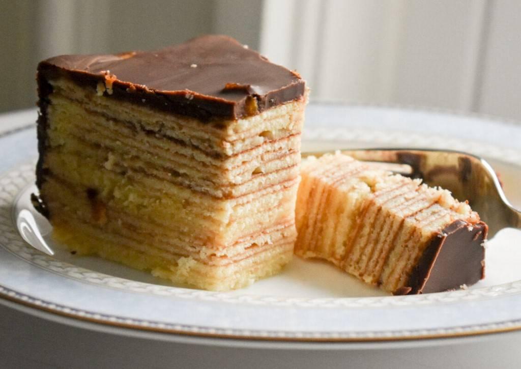 Черный лес или как сделать шварцвальдский торт поэтапно по немецкой рецептуре | выпечка от анюты бубличкиной