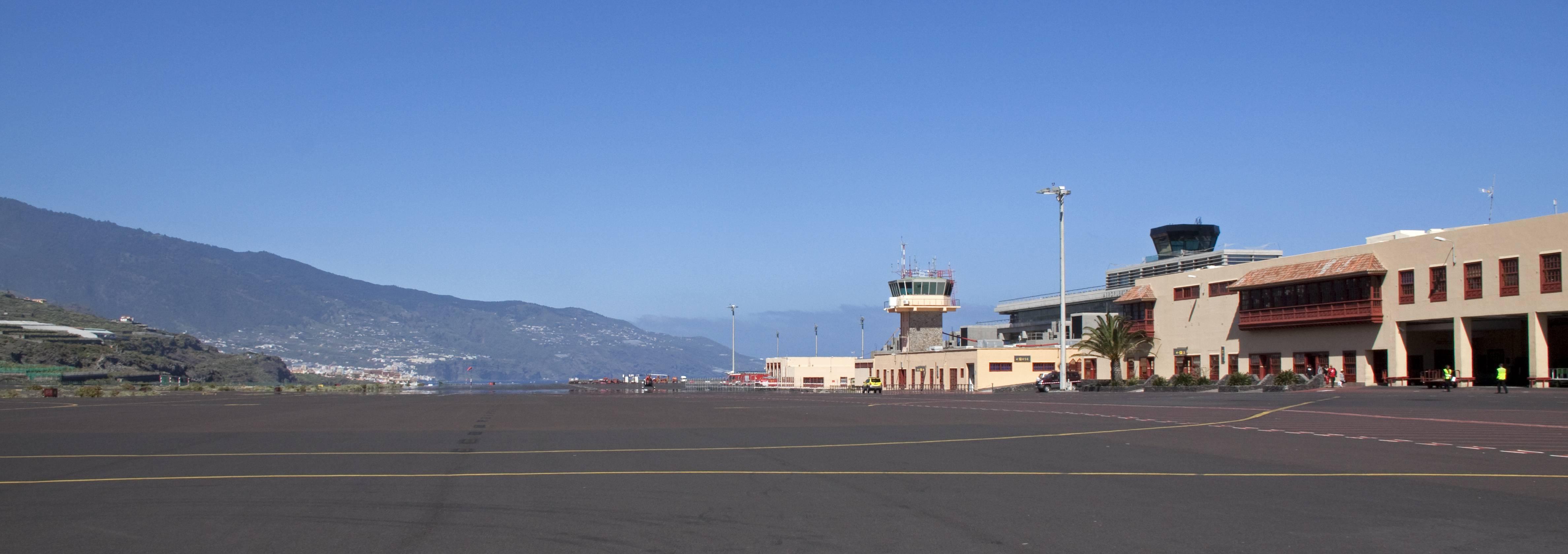 Крупный и современный аэропорт пальма-де-мальорка