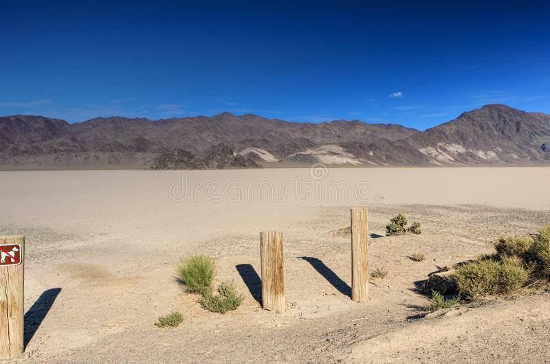 Долина смерти сша: тайна движущихся камней