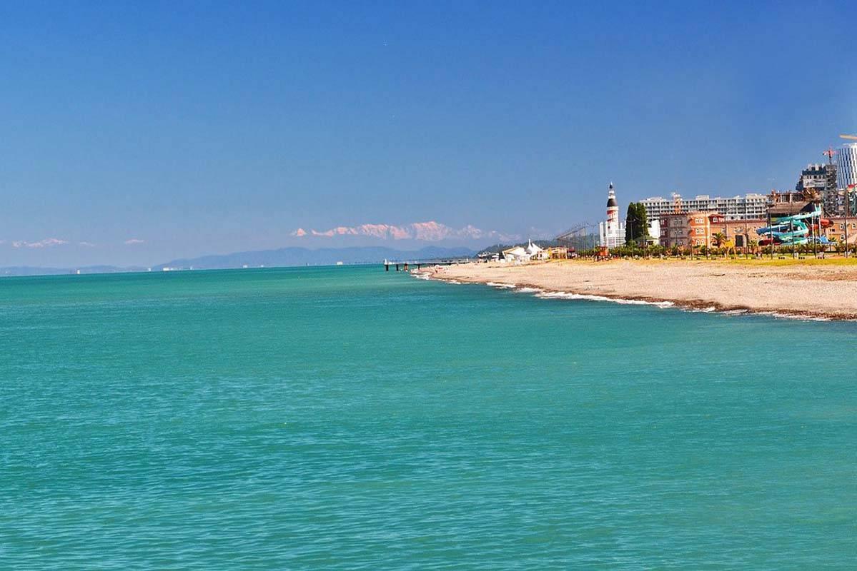 Курорты грузии на море: где лучше отдыхать, популярные города и пляжные поселки на черноморском побережье, а также какие цены на жилье и развлечения?