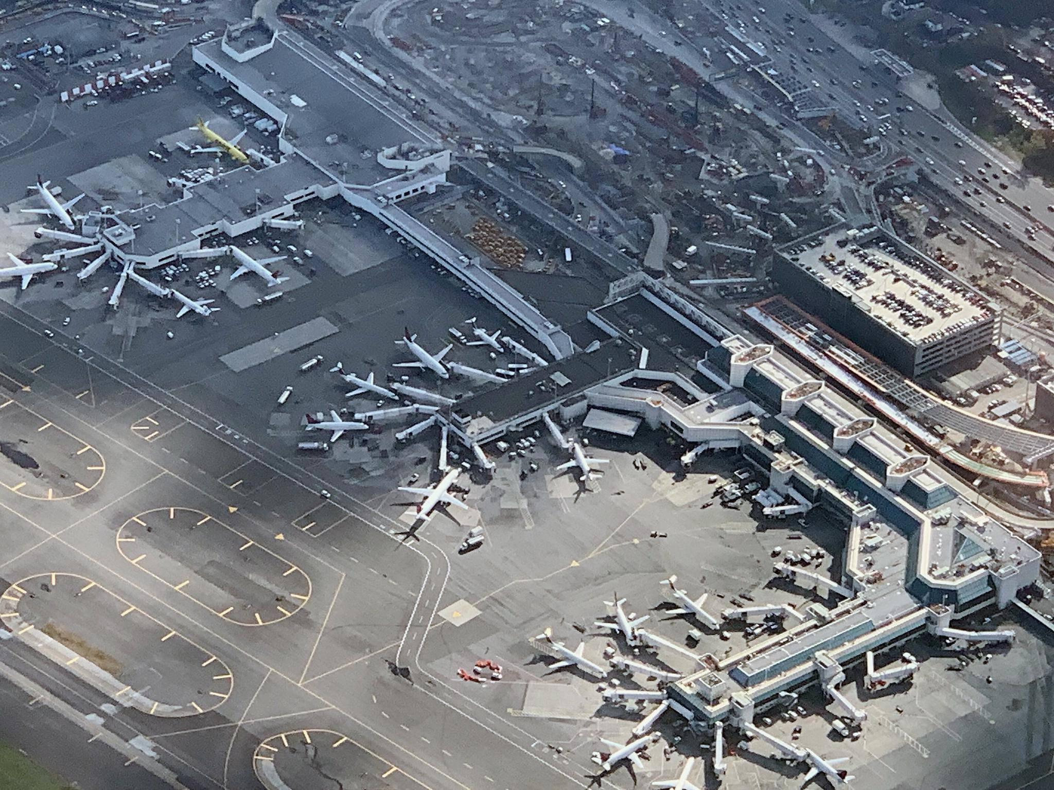 Инфраструктура аэропорта нью-йорк имени джона кеннеди: камеры хранения, залы ожидания и другие услуги