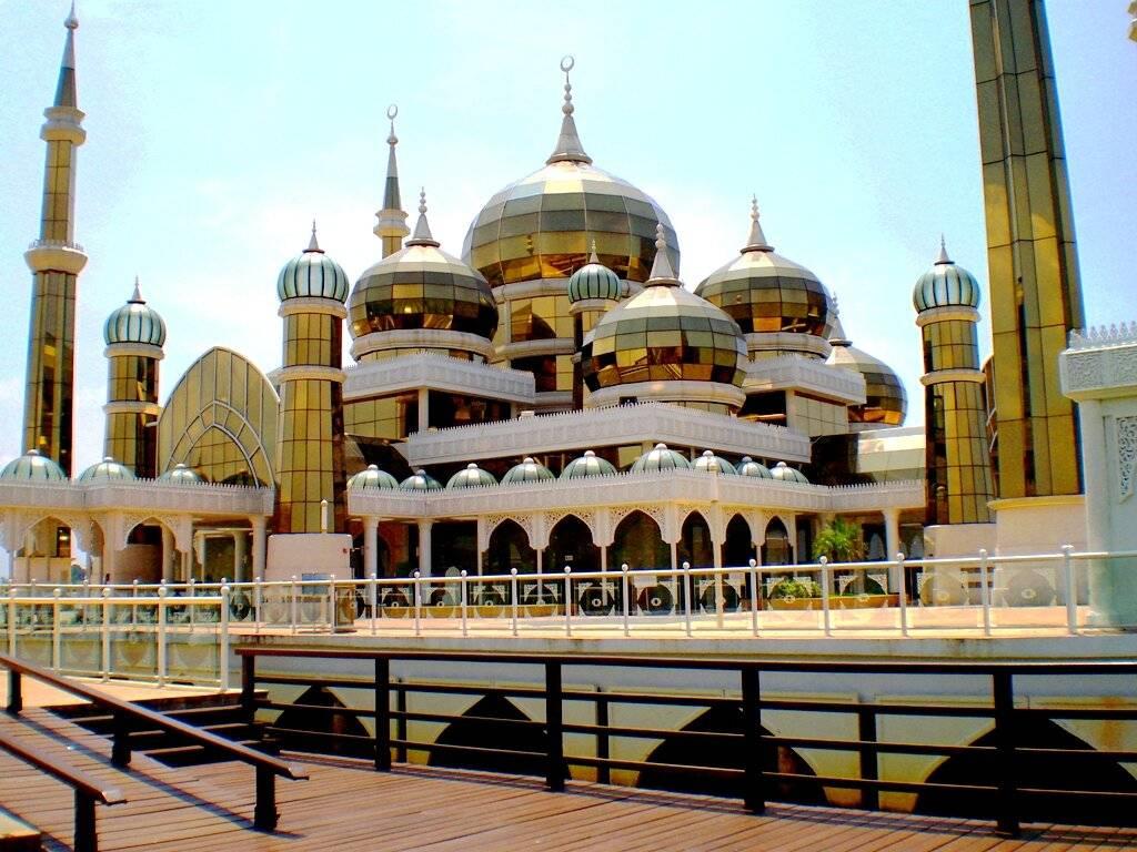 Наиболее знаменитые храмы, соборы и мечети в штутгарте