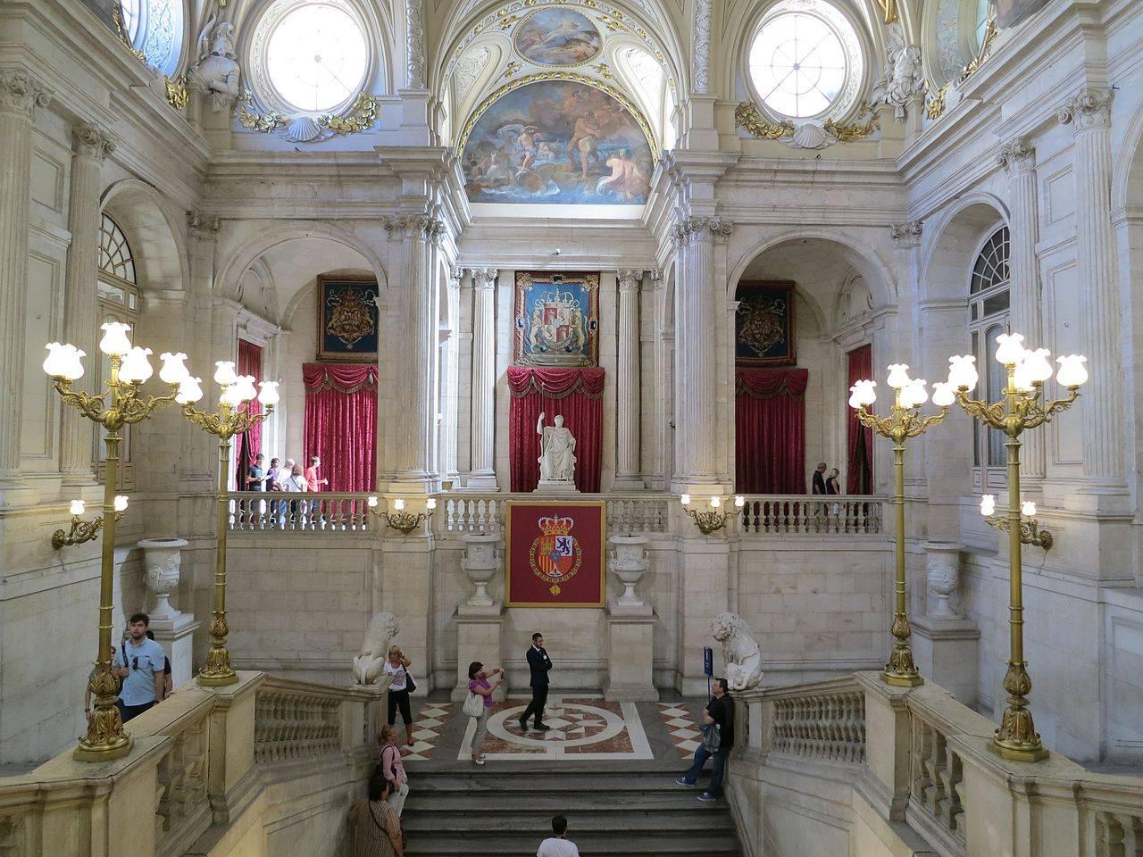 Путешествие в испанию: королевский дворец в мадриде