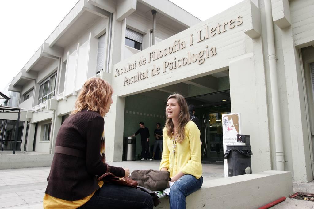 Недорогие университеты испании. как сэкономить по-умному?. испания по-русски - все о жизни в испании